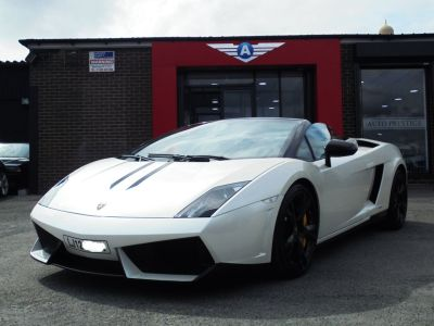 Lamborghini Gallardo 5.2 LP 560-4 SPIDER FACELIFT MODEL WITH PERFORMANTE SPECIFICATION Convertible Petrol Pearl WhiteLamborghini Gallardo 5.2 LP 560-4 SPIDER FACELIFT MODEL WITH PERFORMANTE SPECIFICATION Convertible Petrol Pearl White at Autoprestige Bradford